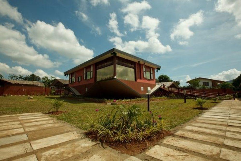 Rumah Terbalik (The Upside Down House) – Tamparuli, Malaysia