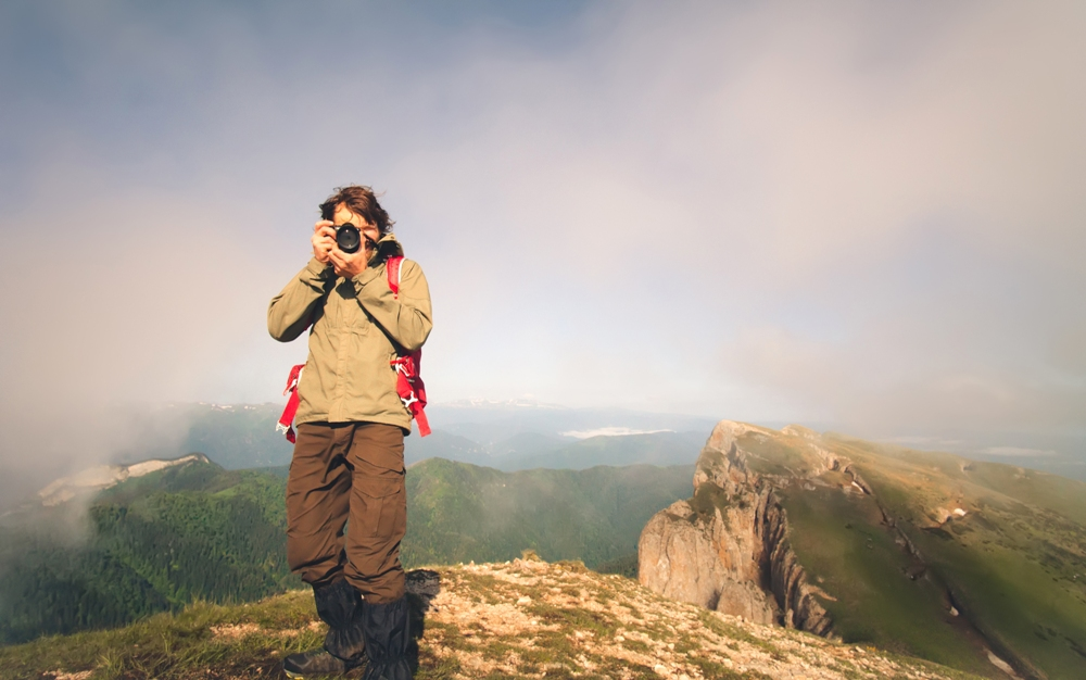 Travel Photography: 2 Apps for Selling Your Stunning Vacation Images